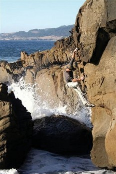Salt Point - Bay Area Bouldering, California, USA. Click to Enlarge